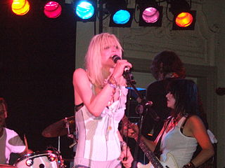 320px-Courtney_Love_on_stage